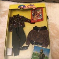 Muñecas Modernas: ROPA DE PAPÁ FAMIY CHABEL 1990 FEBER NUEVO EN SU CAJA. Lote 149405561