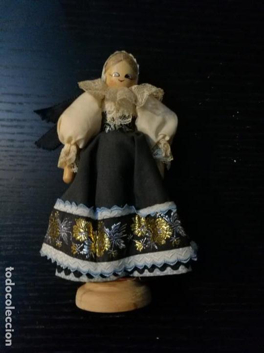 MUÑECA HÚNGARA (Juguetes - Muñeca Extranjera Moderna - Otras Muñecas)