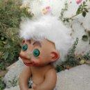 Muñecas Modernas: MUÑECO TROLL CON PELO BLANCO. Lote 151190553