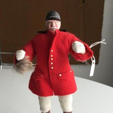 Muñecas Modernas: CORNISH SHALLOWPOOL DOLL - CAZADOR - HUNTSMAN . Lote 151393330