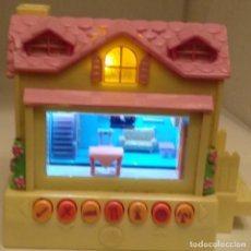 Muñecas Modernas: PIXEL CHIX HOUSE YELLOW & PINK INTERACTIVE ELECTRONIC TOY 2005 MATTEL #H8330. Lote 151593038