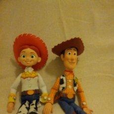 Muñecas Modernas: MUÑECOS WOODY Y JESSIE DE TOY STORY (DISNEY). Lote 152133050