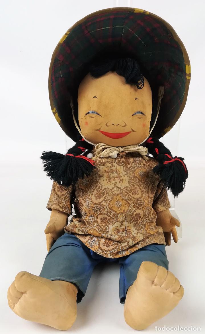 MUÑECA DE TRAPO. CAMPESINA ORIENTAL CON SOMBRERO. (Juguetes - Muñeca Extranjera Moderna - Otras Muñecas)