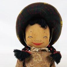 Muñecas Modernas: MUÑECA DE TRAPO. CAMPESINA ORIENTAL CON SOMBRERO.. Lote 155804382