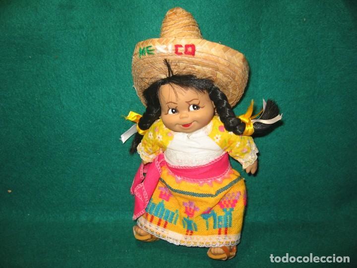 MUÑECA MEXICANA CON TRAJE TIPO (Juguetes - Muñeca Extranjera Moderna - Otras Muñecas)