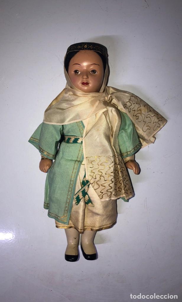 Muñecas Modernas: ANTIGUA MUÑECA ETNICA VESTIDA DE ARABE CON TRAJE COMPLETO. ¿CELULOIDE? 28 CM. VER FOTOS. - Foto 2 - 161980562