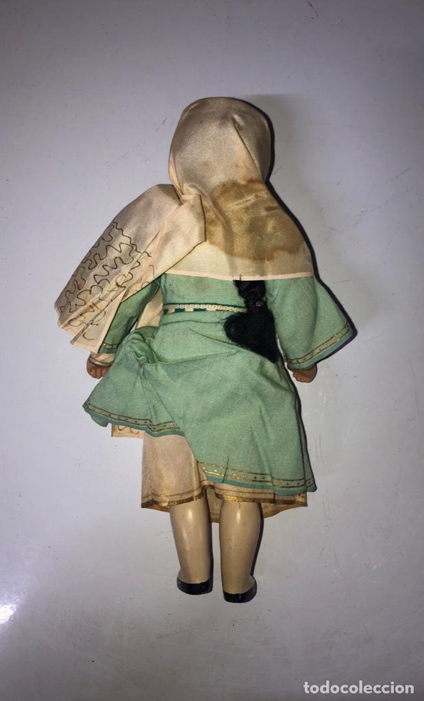 Muñecas Modernas: ANTIGUA MUÑECA ETNICA VESTIDA DE ARABE CON TRAJE COMPLETO. ¿CELULOIDE? 28 CM. VER FOTOS. - Foto 3 - 161980562