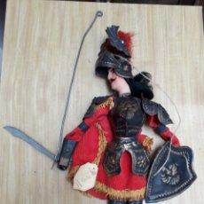 Muñecas Modernas: MARIONETA TÍTERE ORLANDO HECHA A MANO ITALIA. Lote 169000461
