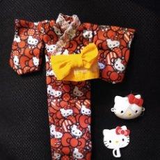 Muñecas Modernas: TAKARA TOMY LICCA DOLL HELLO KITTY SUMMER KIMONO YUKATA SET JAPAN COMPLETO. Lote 170295516