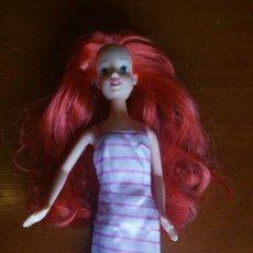 Muñecas Modernas: MUÑECA PELIRROJA SIMBA TOYS. Lote 170549404