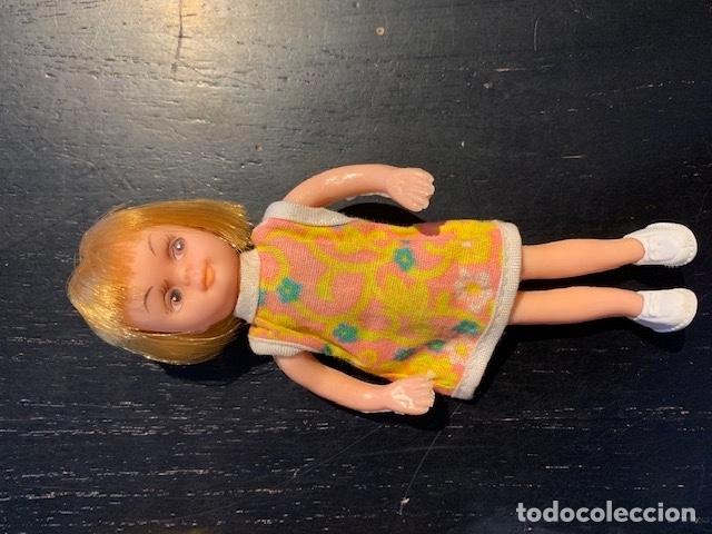 Muñecas Modernas: ANTIGUAS MUÑECAS DE LOS 60 70 CON TRAJE ORIGINAL - Foto 4 - 175944492
