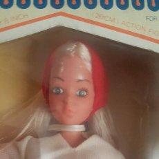 Muñecas Modernas: MUÑECA DEMO GIRL TENISTA. AÑOS 70. NUEVA. Lote 178353403