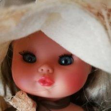 Muñecas Modernas: MUÑECA ITALIANA AÑOS 70. Lote 181190172