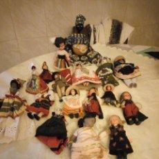 Muñecas Modernas: LOTE DE 18 MUÑECAS REGIONALES DE DIFERENTES PAÍSES. DIFERENTES TAMAÑOS Y MATERIALES.. Lote 183526598