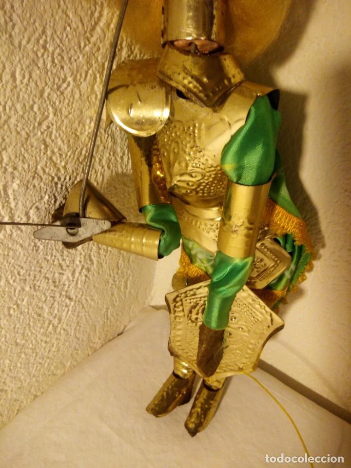 Muñecas Modernas: Antiguo soldado medieval de madera tejidos y latón marioneta. - Foto 3 - 189643857