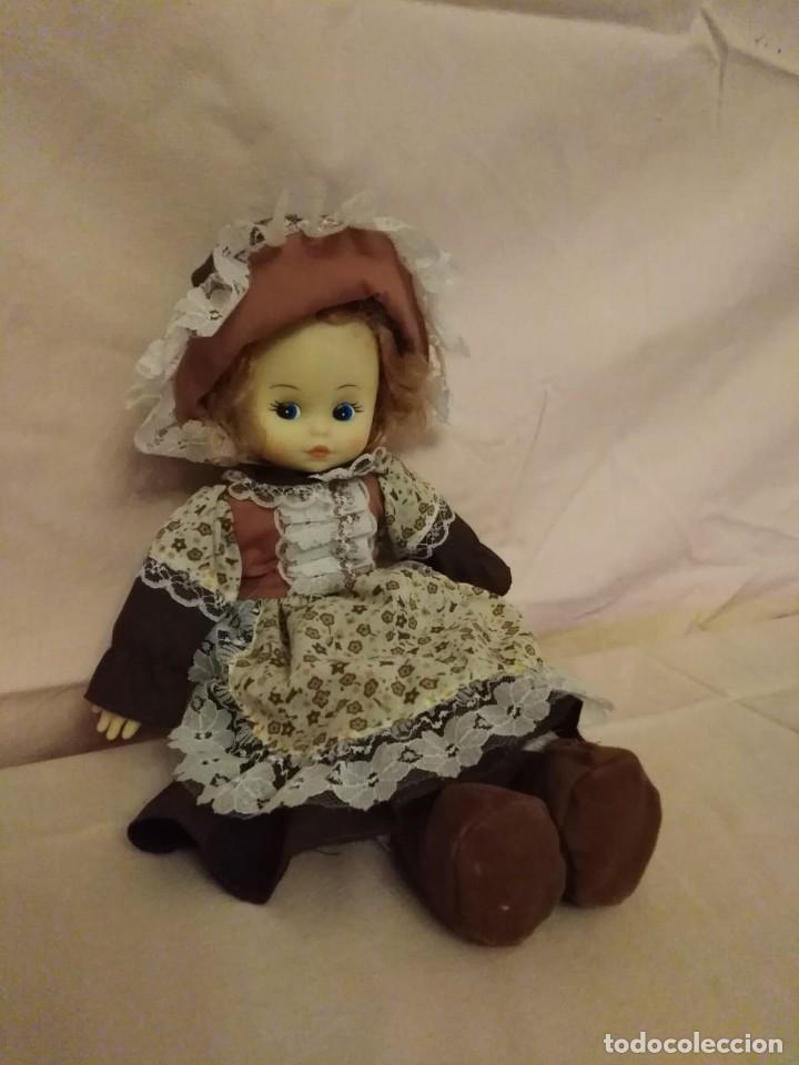 Muñecas Modernas: Antigua Muñeca carita y manos de goma y cuerpo de relleno. - Foto 2 - 191004898