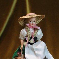 Muñecas Modernas: MUÑECA CAMPESINA CON TRAJE DE ÉPOCA. MARCA EROS,FIRENZE (TOSCANA). Lote 193370817