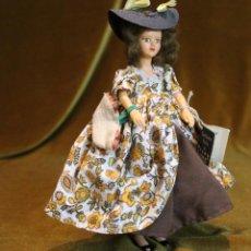 Muñecas Modernas: MUÑECA CON TRAJE DE ÉPOCA,MARCA PEGGY NISBET,INGLATERRA.. Lote 193434640