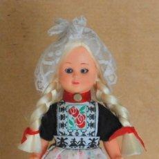 Muñecas Modernas: MUÑECA CAMPESINA HOLANDESA DE CELULOIDE,OJOS DURMIENTES AÑOS 60 . Lote 194897691