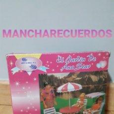 Muñecas Modernas: EL JARDIN DE ANA STAR MUEBLES TERRAZA SIMILAR BARBIE CHABEL SINDY MESA SOMBRILLA HAMACA ARTY & MELL. Lote 195039962