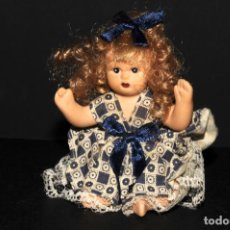 Muñecas Modernas: ANTIGUA MUÑECA EN TERRACOTA. Lote 196796177