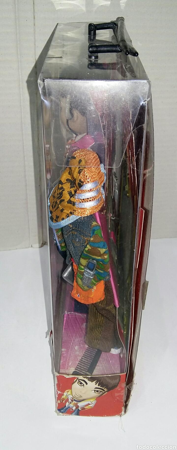 Muñecas Modernas: BRATZ BOYZ EITAN. TOKYO A GO - GO. NUEVO EN CAJA. BRATZ WORLD. BANDAI. MGA. 2004. - Foto 5 - 197258265