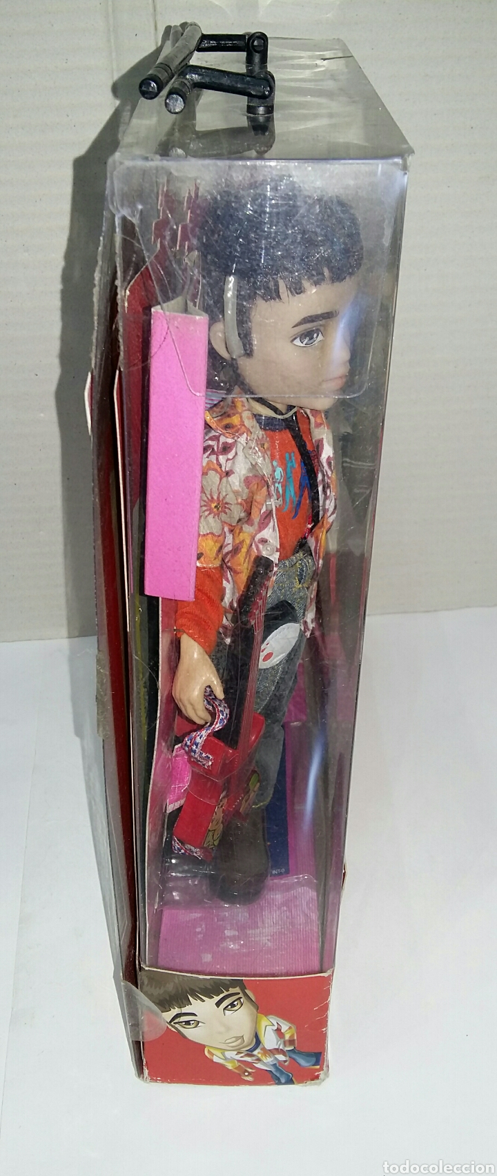 Muñecas Modernas: BRATZ BOYZ EITAN. TOKYO A GO - GO. NUEVO EN CAJA. BRATZ WORLD. BANDAI. MGA. 2004. - Foto 6 - 197258265