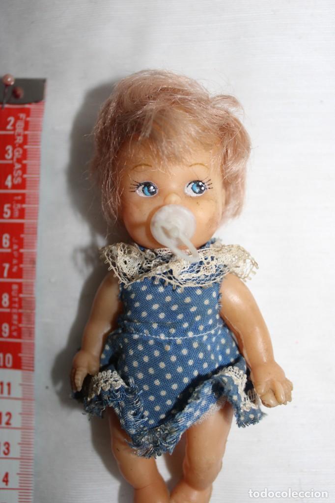 PEQUENA MUÑECA SIN MARCA (Juguetes - Muñeca Extranjera Moderna - Otras Muñecas)