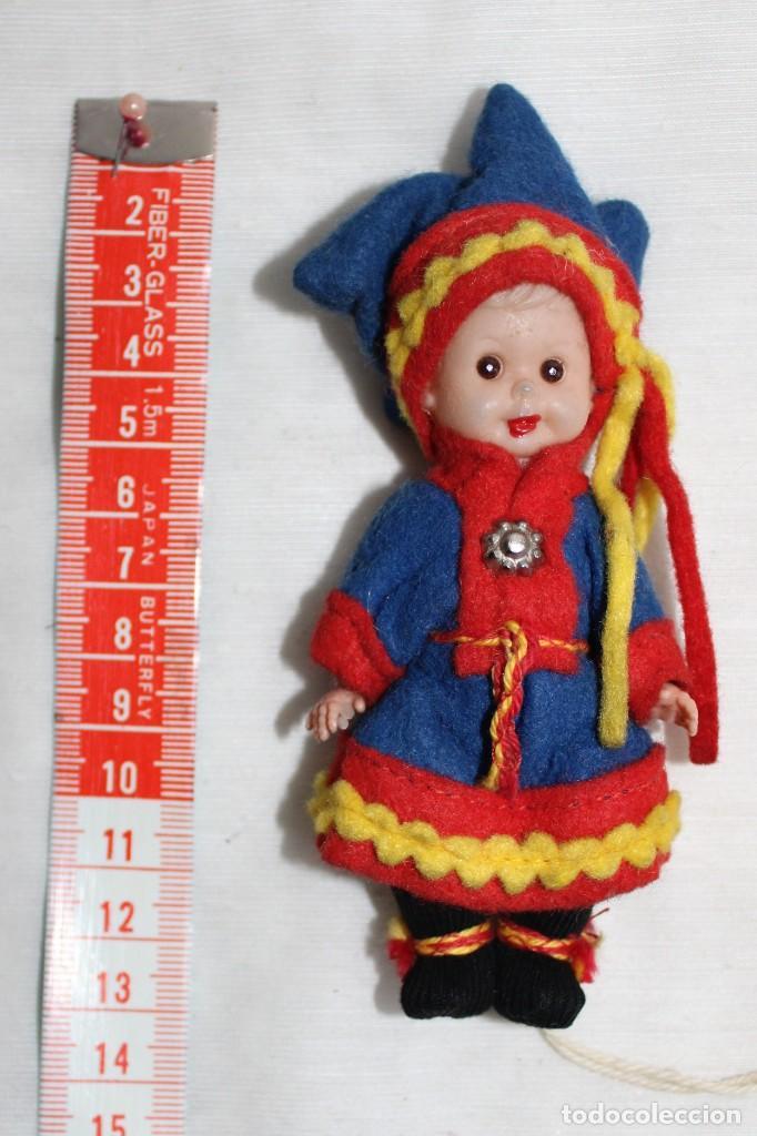 PEQUENA MUÑECA SIN MARCA REGIONAL (Juguetes - Muñeca Extranjera Moderna - Otras Muñecas)