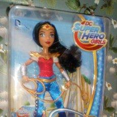 Muñecas Modernas: PRECIOSA MUÑECA WONDER WOMAN DE LAS DC SUPER HERO GIRLS, NUEVA, EN CAJA, MATTEL - 2016. Lote 204621172