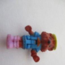 Muñecas Modernas: PEQUEÑA MUÑECAS MINI MICRO POLLY POCKET MUÑECA MINIATURA. Lote 205404250