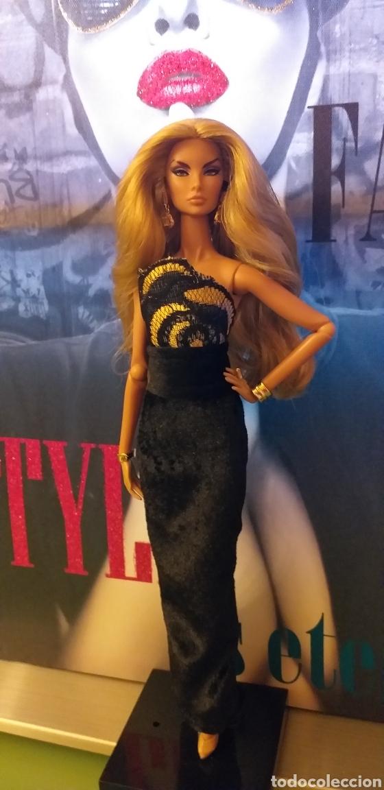 Muñecas Modernas: Vestido Oro Negro para Barbie Poppy Parker Similar Muñeca NO INCLUIDA Hecho mano Amater+ 4€ envio C - Foto 2 - 206289782
