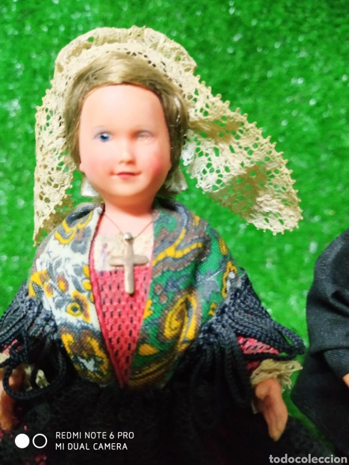 Muñecas Modernas: Pareja 2 Antiguas muñecas Francesas traje regional marca Philippe celuloide años 60 - Foto 2 - 210431782