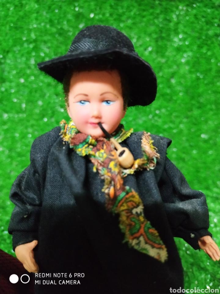 Muñecas Modernas: Pareja 2 Antiguas muñecas Francesas traje regional marca Philippe celuloide años 60 - Foto 3 - 210431782