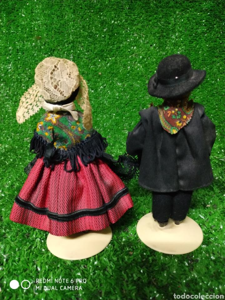 Muñecas Modernas: Pareja 2 Antiguas muñecas Francesas traje regional marca Philippe celuloide años 60 - Foto 5 - 210431782
