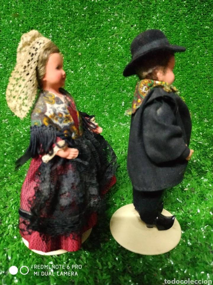 Muñecas Modernas: Pareja 2 Antiguas muñecas Francesas traje regional marca Philippe celuloide años 60 - Foto 6 - 210431782