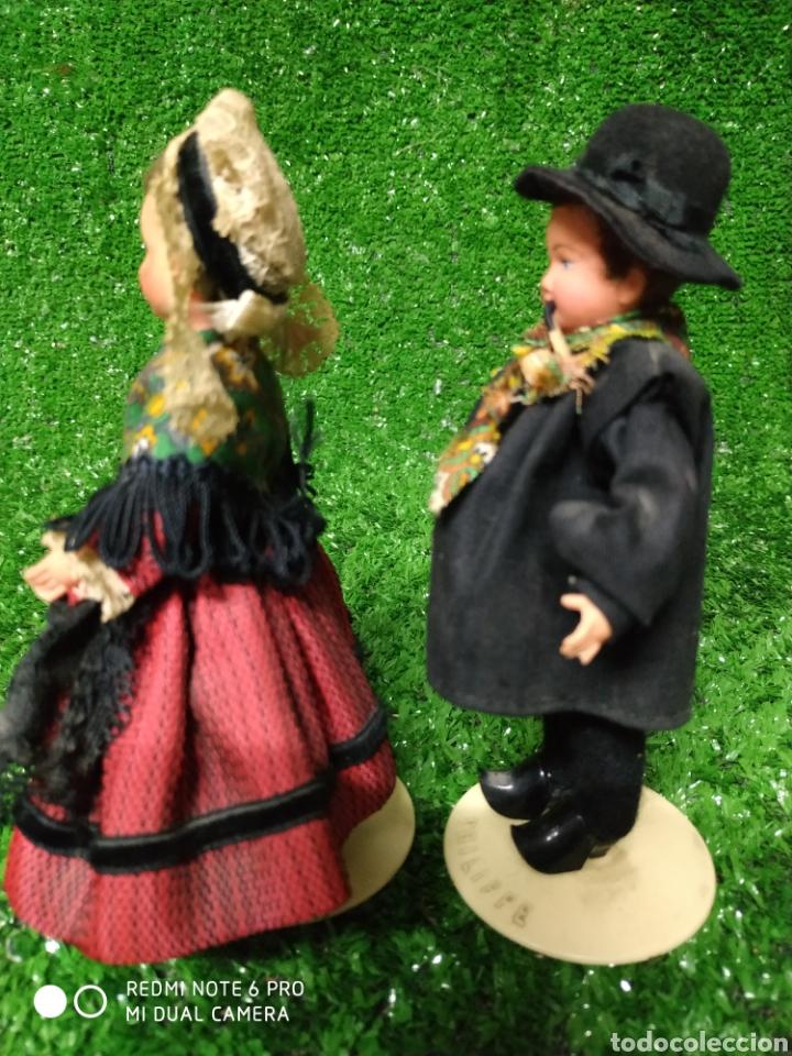 Muñecas Modernas: Pareja 2 Antiguas muñecas Francesas traje regional marca Philippe celuloide años 60 - Foto 7 - 210431782