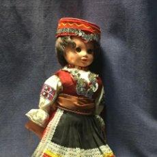 Muñecas Modernas: MUÑECA RUSA TRAJE TRADICIONAL ETIQUETA LIDOVA TVOBRA UH. BROD DORMILONA AÑOS 60 34X14CMS. Lote 210699119