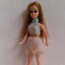 Muñecas Modernas: MUÑECA TOPPER CAMINADORA 1970. Lote 213288100