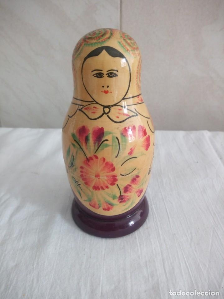 Muñecas Modernas: Lote de 2 muñecas matrioskas de madera pintadas a mano. - Foto 4 - 213446352