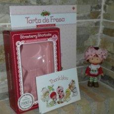 Muñecas Modernas: MUÑECA TARTA DE FRESA / STRAWBERRY SHORTCAKE. Lote 214057917