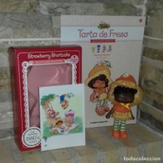 Muñecas Modernas: MUÑECA TARTA DE FRESA FLORI NARANJA / STRAWBERRY SHORTCAKE. Lote 214143293