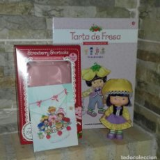 Muñecas Modernas: MUÑECA TARTA DE FRESA TE DE ALMENDRA / STRAWBERRY SHORTCAKE. Lote 214306137