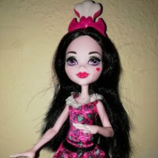 Muñecas Modernas: DRACULAURA DE MONSTER HIGH -NUEVA SIN CAJA.. Lote 214511825