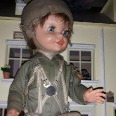 Muñecas Modernas: MUÑECA PARACAIDISTA MARCA BERNA ( IMPOSIBLE DE CONSEGUIR COMPLETA ) AÑOS 60. Lote 215285171