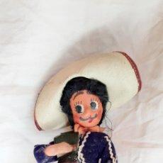 Muñecas Modernas: MUÑECO MEJICANO REGIONAL ANTIGUO. Lote 216756885
