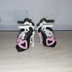 Bonecas Modernas: ZAPATOS DE MUÑECA MONSTER HIGH CUPIDO CUPID. Lote 216942505