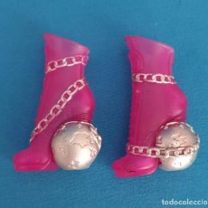 Muñecas Modernas: == ZP12 - ZAPATOS DE LA MONSTER HIGH. Lote 218647110