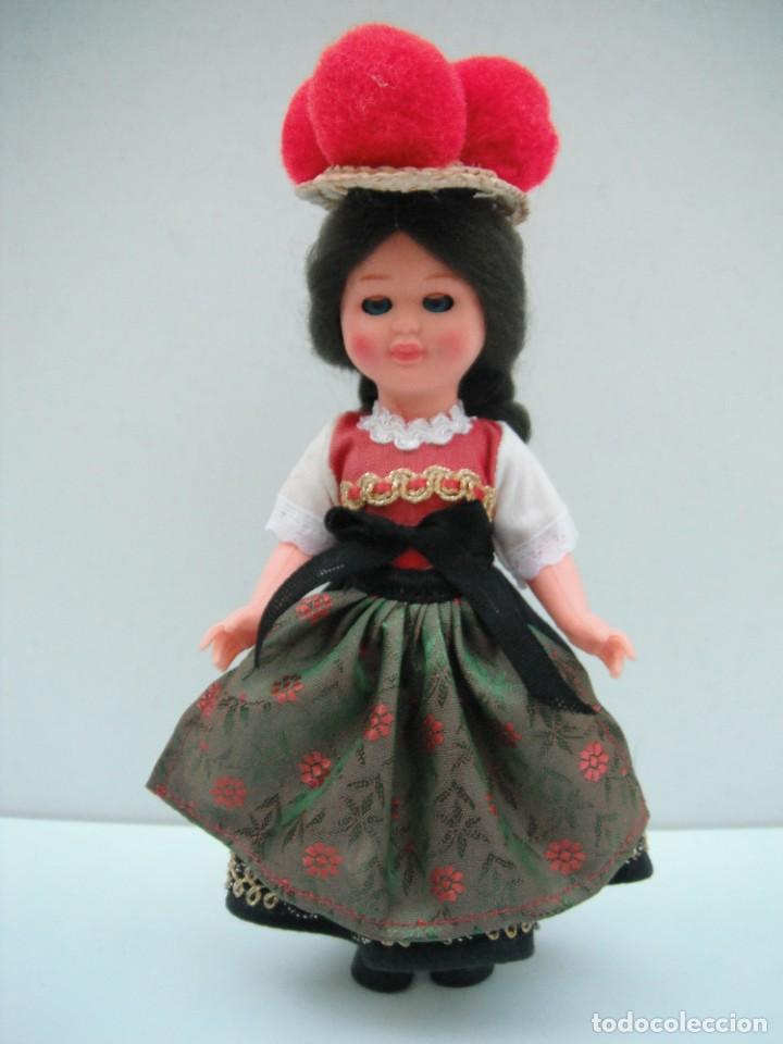 MUÑECA CON TRAJE TIPICO DE LA SELVA NEGRA - ALEMANIA . (Juguetes - Muñeca Extranjera Moderna - Otras Muñecas)