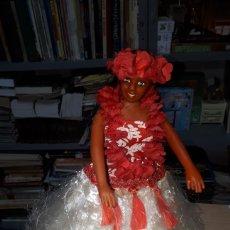 Muñecas Modernas: GRACIOSA MUÑECA HAWAIANA BAILARINA CON MECANISMO Y MÚSICA LEER DESCRIPCIÓN. Lote 220519488